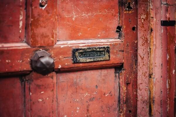 clueQuest London escape room red door