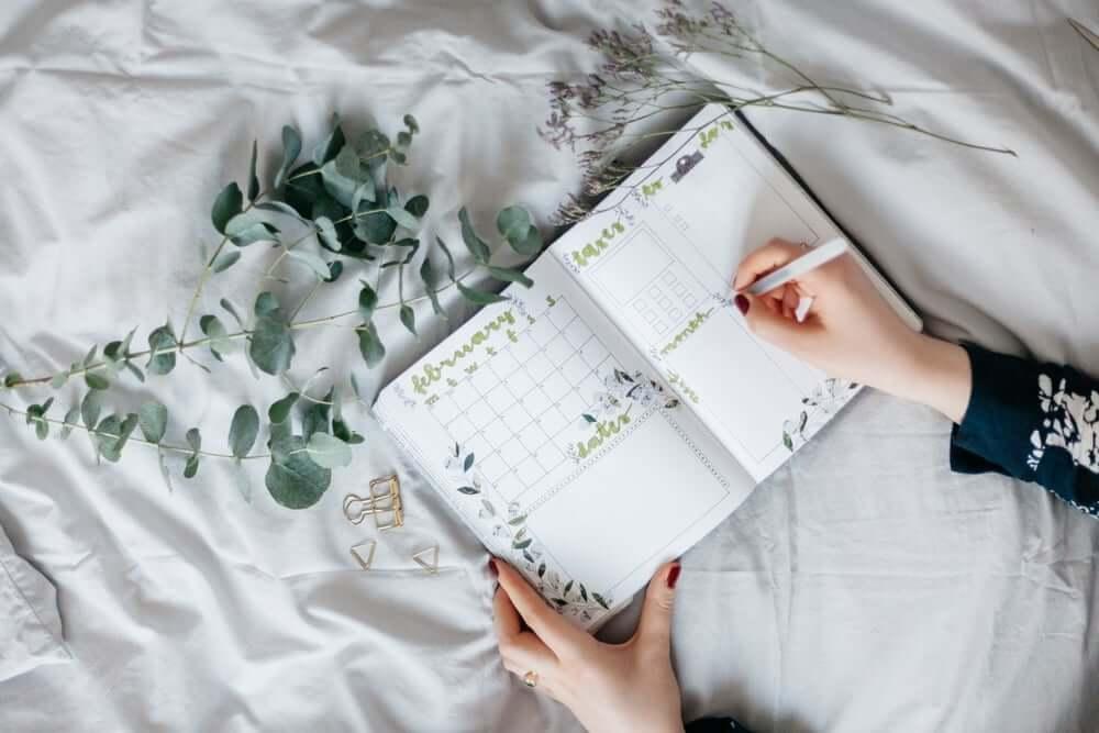 venue contract checklist flatlay