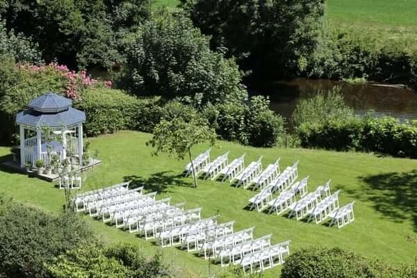 Bickleigh Castle grounds garden