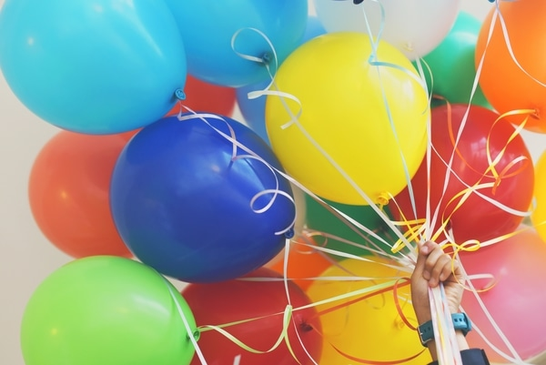 decorate your venue on a budget balloon bouquet coloured