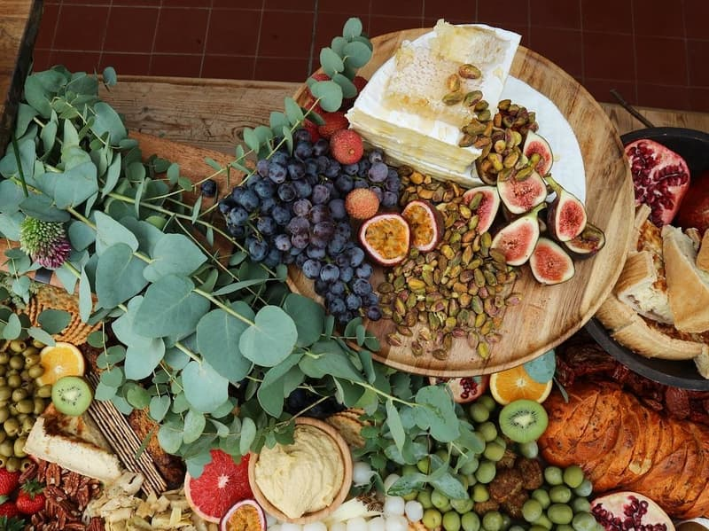 grape and fig grazing table
